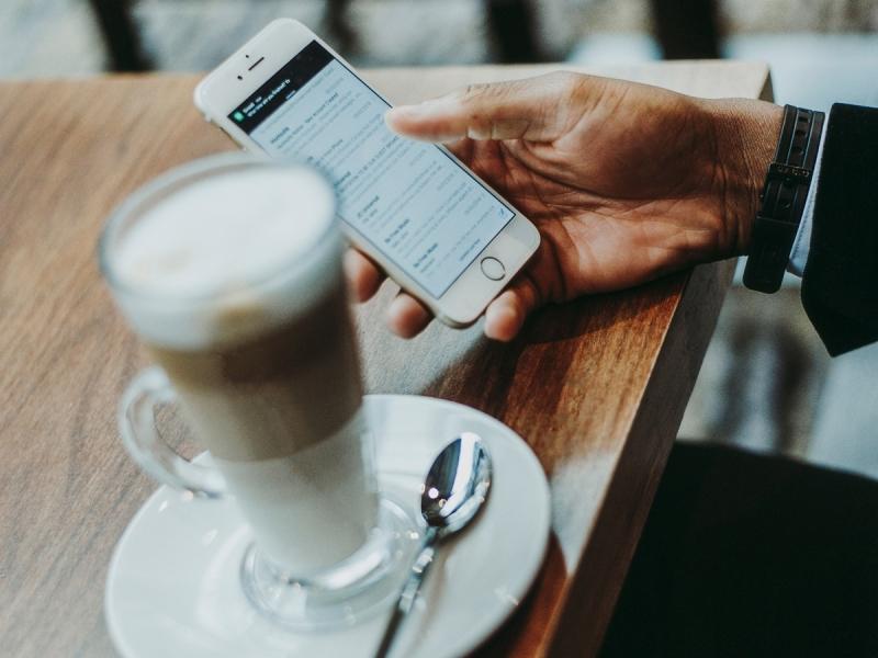 Korišćenje interneta na mobilnom